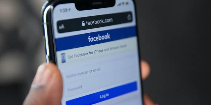 schermata accesso a facebook